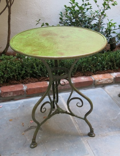 Small-Decorative-Table-featured